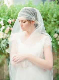 11 Wedding Veil Styles and Lengths to Know Before You Accessorize - Thinking of rocking this iconic wedding accessory? Get to know the difference between blusher, birdcage, cathedral, and other types of veils right here. Juliet cap veil {Hushed Commotion} Types Of Veils, Juliet Cap Veil, Drop Veil, Tulle, Forest Wedding, Wedding Veils, Wedding Looks, Bridal Accessories, Photos