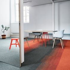 This hardwearing nylon carpet tiles are perfect for any commercial project. With a wear rating of 33 and a castor chair rating of this carpet tiles can be used wherever you have foot fall. Flooring Store, Carpet Flooring, Rugs On Carpet, Grey Carpet, Modern Carpet, Carpet Design, Floor Design, Office Carpet, Hallway Carpet