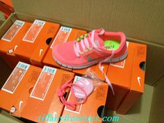 great site for all nikes off. I need running shoes bad! Nike Free Run 3, Cute Fashion, Womens Fashion, I Work Out, Swagg, Me Too Shoes, What To Wear, Style Me, Hot