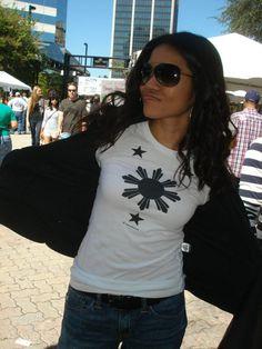 Fan from FL reppin Taglish Tees' Sun & Stars shirt (photo credit: Steph Estaris)