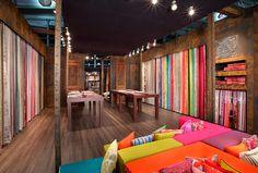 Alhambra Internacional - HEIMTEXTIL 2013 Prachtige stoffen en een bijzonder kleurrijke en stoere stand. Een nieuwe collectie voor All'interno?!!