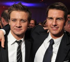 """Jeremy Renner y Tom Cruise en el estreno de """"Misión Imposible: Protocolo Fantasma"""" (Mission Impossible: Ghost Protocol), 2011"""