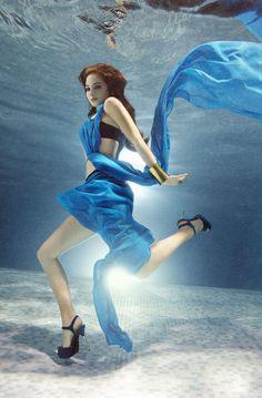 Zena Holloway - underwater fashion