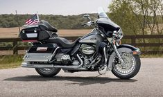 The harley davidson ultra classic electra glide has received a few upgrades for 2013 including a harley motorcycle sidecar. Harley Davidson Seats, Motos Harley Davidson, Harley Davidson Road Glide, Harley Davidson Touring, Harley Ultra Classic, Harley Davidson Ultra Classic, Electra Glide Ultra Classic, Classic Motorcycles For Sale, Touring Motorcycles