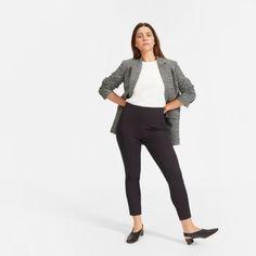 Women's Curvy Side-Zip Work Pant by Everlane in Black Work Attire Women, What Should I Wear Today, Curvy Hips, Curvy Outfits, Work Outfits, Black Zip Ups, Business Casual Outfits, Work Pants, Women's Pants