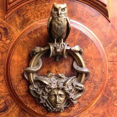 """483 Likes, 26 Comments - Holly Hollingsworth Phillips (@theenglishroom) on Instagram: """"The nicest knocker spotted in all of Rome. #roma #doorknocker #theenglishroomtravels #design…"""""""