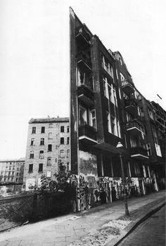 1970 Berlin-Kreuzberg,eine Fassade ohne Gebäude.