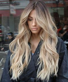 Delicate Long Wavy Hairstyles for Women to Look Super Gorgeous in 2020