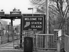The welcome sign at the Bayonne Bridge toll plaza greets arrivals from New Jersey on the New York side of the Bayonne Bridge. New York One, New York City, Jersey Girl, New Jersey, Bayonne Bridge, Garden State Plaza, Comin Home, Nyc Go, Staten Island New York