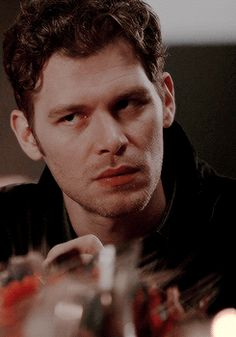 Joseph Morgan Gif Hunt the cut are 402 Mostly HQ gifs of Joseph Morgan, including updated gifs from season 3 of the originals. Vampire Diaries Damon, Klaus Vampire, Klaus Tvd, Vampire Diaries Wallpaper, Vampire Diaries The Originals, Joseph Morgan, Klaus The Originals, Fanfiction, The Mikaelsons