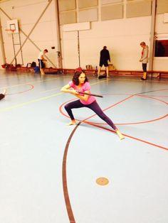 Tog Chöd is een dynamische mix van sport, dans, meditatie en martial arts (krijgskunst) waarin momenten van actie en rust elkaar afwisselen. Tog Chöd wordt uitgevoerd met een lichte, houten zwaardstok . Janet Kunst is de belegeleider erg leuk !