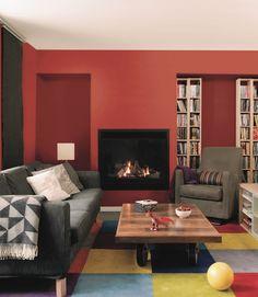 Un salon rouge chaleureux