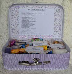Karins-kortemakeri: Førstehjelpsskrin for eldre Ar Kits, Dere, Smash Book, Holidays And Events, Kids And Parenting, Diy And Crafts, Birthday Parties, Wraps, Student