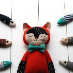 #hugmonsters #handmade #cute #hugs #creation #popsurreal #curiosities #arttoys #designertoy #giftideas #design #nsk... Christmas Fair Ideas, Cute Hug, Handmade Stuffed Animals, Doll Sewing Patterns, Fabric Toys, Cat Doll, Doll Maker, Animal Crafts, Soft Sculpture