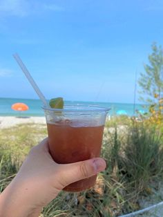 Looking for where to eat in Southwest Florida? Check out this guide for the best Fort Myers restaurants. It includes downtown, beachside & more! #fortmyers #floridatravel #floridafood Fort Myers Restaurants, Unique Restaurants, Florida Food, Florida Travel, Bonita Beach, Delicious Restaurant, Fort Myers Beach, Lunches And Dinners, Places To Eat
