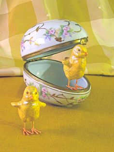 Victorian Hinged Porcelain Egg Shaped Box 4 by CoolMintCollection, $41.00