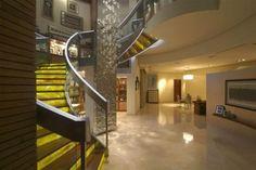 DIN Interiorismo es una empresa mexicana fundada por Aurelio Vázquez Durán con más de 25 años de experiencia que se especializa en el diseño de espacios e interiores. Sus proyectos combinan la creatividad, funcionalidad, originalidad, innovación y calidad de manera equilibrada.