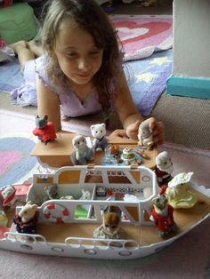 """""""Our sylvanian friends enjoying a lovely boat trip and picnic"""" - Pip Mace #sylvanianfamilies #sylvaniansummer"""