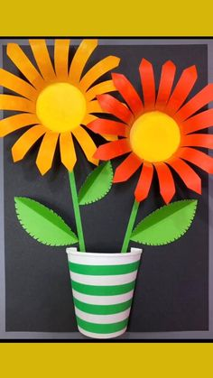 Halloween Crafts For Kids, Easy Christmas Crafts, Paper Crafts For Kids, Preschool Crafts, Fun Crafts, How To Make Paper Flowers, Paper Flowers Craft, Paper Crafts Origami, Flower Crafts