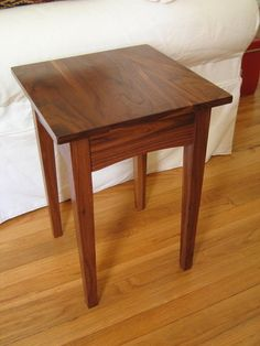 Walnut Table Designs That Very Beautiful And Durable - JustHomeIdeas Wooden Side Table, Walnut Dining Table, Side Tables, Wood Shop Projects, Furniture Projects, Dining Room Furniture, Wood Furniture, Cherry End Tables, Shaker Style Furniture