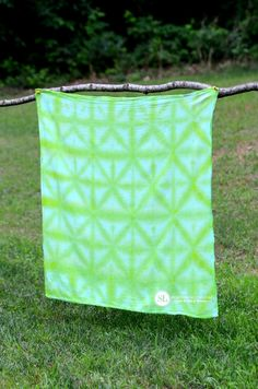 Diamond Patter Folded Tie Dye Technique #michaelsmakers #tiedyeyoursummer