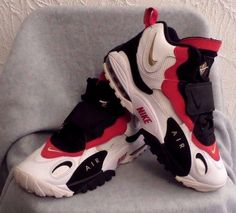 Nike Air Max Speed Turf 525225 101 White Red Gold Black Niners 49ers U.S. 8 GUC  #Nike #AthleticSneakers