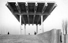 CHIESA PARROCCHIALE, BARANZATE DI BOLLATE Baranzate di Bollate (MI) – 1956 Architettura: Angelo Mangiarotti e Bruno Morassutti Strutture: Aldo Favini