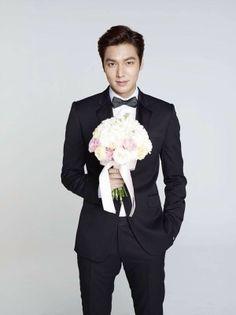 I would love to take Lee Min Ho to prom Jung So Min, So Ji Sub, Boys Over Flowers, Flower Boys, Korean Celebrities, Korean Actors, Korean Dramas, Asian Actors, Lee Jong Suk