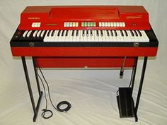 Image from http://www.nordkeyboards.com/sites/default/files/files/sound-libraries/vox-farfisa-library/farfisacombocompact.jpg.