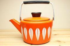 orange kettle - Catherine Holm