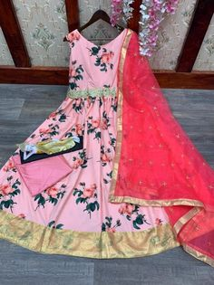 Order #LG1392 Creape with Print Long GOWN₹1315 on WhatsApp number +919619659727 or ArtistryC.in