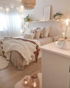 New Model Bedroom Decor Ideas - Page 5 of 69 - new bedroom trends Redecorate Bedroom, Bedroom Decor, Small Room Bedroom, Room Ideas Bedroom, Dorm Room Inspiration, Bedroom Design, Dorm Room Decor, Room Inspiration Bedroom, Cozy Room Decor