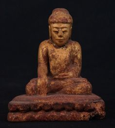 Antique Burmese Buddha statue from Burma, Bhumisparsha Mudra, made from wood, Antique Buddha statues