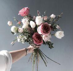 👉🏻Katalk ID - Brautsträuße - Blumen Beautiful Bouquet Of Flowers, My Flower, Fresh Flowers, Beautiful Flowers, Floral Wedding, Wedding Bouquets, Wedding Flowers, Flower Bouquets, Boho Wedding