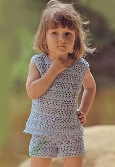 Top and shorts for a girl years old (Crochet) - Magazine Inspiration of the Needlework Crochet Toddler, Crochet Girls, Crochet Woman, Crochet For Kids, Crochet Baby, Knit Crochet, Graph Crochet, Shorts Crochet, Crochet Clothes