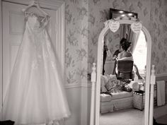 Dave Spink Photography Film offers Wedding photography Leeds, videography, photo booth hire & Magic Mirror hire in Leeds.