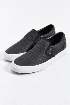 Vans Classic Leather Slip-On Mens Sneaker - Urban Outfitters