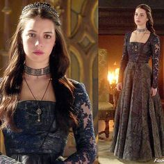 "Adelaide Kane as Queen Mary on ""Reign"" (episode e Adelaide Kane, Medieval Dress, Medieval Fashion, Elisabeth I, Marie Stuart, Reign Tv Show, Reign Mary, Reign Dresses, Reign Fashion"