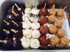 Un desert din înghețată pe bază de frișcă, cu o consistență cremoasă și caldă, în diferite culori și gusturi!  Gustă fericirea la Cremeria Marco! Torturi. Prajituri. Pitesti.