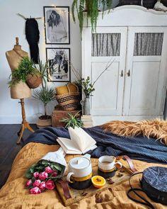 Przytulne wnętrze z intensywnymi akcentami Ikea, Sweet Home, Table Settings, Cool Stuff, Bedroom, Design, Videos, Amazing, Photos