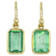 Irene Neuwirth Pavé Diamond and Emerald Rectangle Earrings ($6,510) ❤ liked on Polyvore featuring jewelry, earrings, emerald green jewelry, pave diamond earrings, bezel set earrings, green drop earrings and 18k earrings