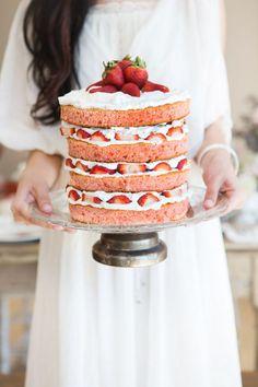 Bryllupskaker; 'Naked Cake' – Inside Out – Nakne Bryllupskaker | Norwegian Wedding Magazine