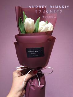 Bouquet for her Bouquet Wrap, Hand Bouquet, Flower Bouquet Wedding, Rose Bouquet, Flower Box Gift, Flower Boxes, How To Wrap Flowers, Bunch Of Flowers, Chocolate Flowers