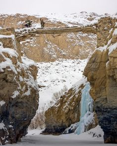 The Bridge Wooden bridge to reach at Nerek village when mighty Zanskar river flows with full power in summer months and dangerous rapids make it impossible to cross. . With modern days that is gone too and now you can see a modern metal bridge just close to the famous frozen waterfall. #jaw_dropping_shots #naked_planet #explorealberta #chadartrek #naturelovers #landscape_captures #splendid_shotz #splendid_earth #globalcapture #lonelyplanet #worldshotz #ig_shotz #natgeotravel…