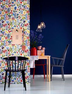 colorful floral pattern wallpaper with navy blue- similar to matisse art. Colorful Interior Design, Colorful Interiors, Interior Styling, Decoration Inspiration, Interior Inspiration, Design Inspiration, Wall Colors, House Colors, Estilo Kitsch