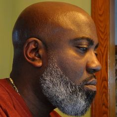 Just like hairstyles, facial hair trends evolve and fall in and out of fashion all the time. Here are 35 popular and stylish beard styles for black men. Black Men Beards, Handsome Black Men, Black Beards Styles, Beard Styles For Men, Hair And Beard Styles, Moustaches, Bald Black Man, Stylish Beards, Bald With Beard