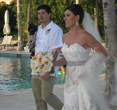 #orange and #ivory #bridal #bouquet at #haciendatresrios #weddingcancun by #latinasia