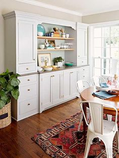If you love to entertain, zero in on a built-in hutch to store dishes and pull double duty as a bar or buffet. Spare odds and ends like hair accessories and writing utensils all find a place… Kitchen Buffet Cabinet, Dining Room Buffet, Dining Room Walls, Kitchen Redo, Kitchen Remodel, Kitchen Dining, Kitchen Ideas, Built In Buffet, Built In Pantry