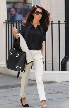 9760323c90a82 The Cloon s fiancée was snapped exiting the John Frieda Salon in London  looking beautiful after a blowout. Amal