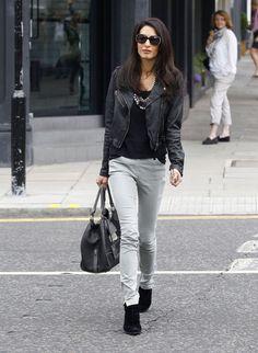 amal-alamuddin-gray-jeans-street-style-h724.jpg (530×724)